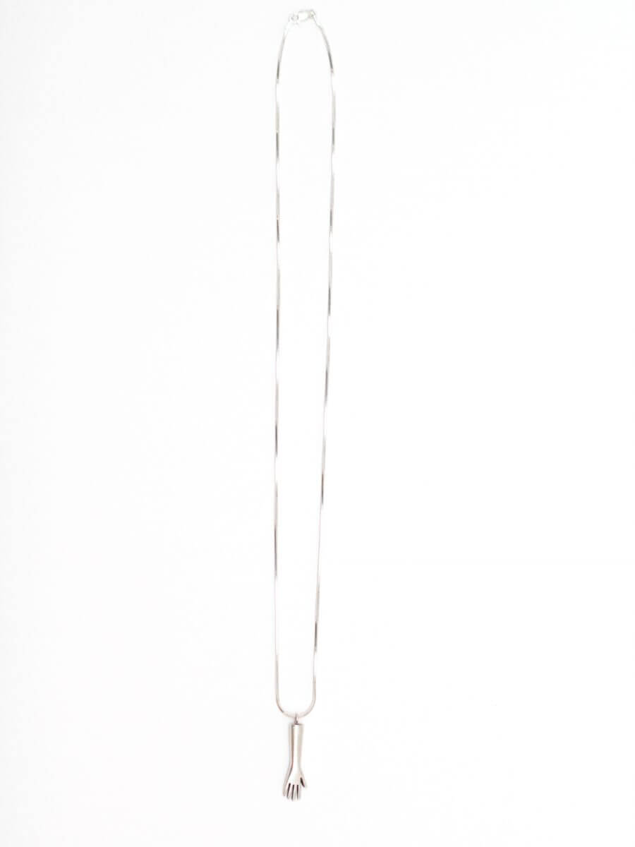 The-paper-pendant-silver-by-glenda-lopez-back