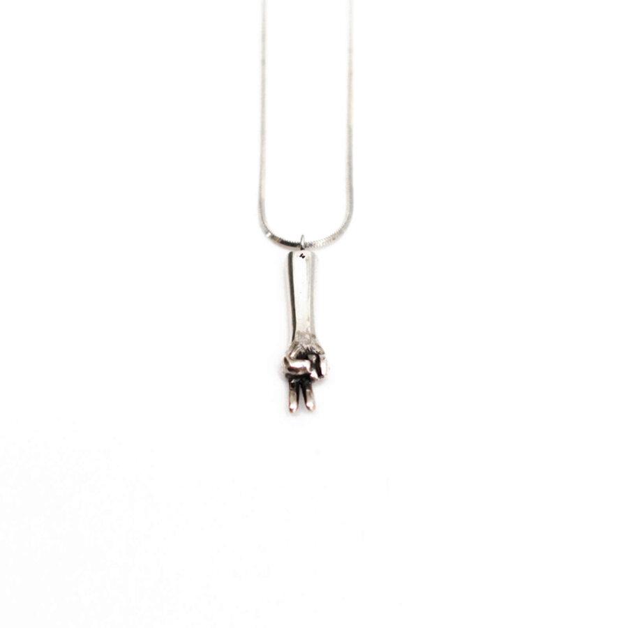 The-scissors-pendant-silver-by-glenda-lopez-back