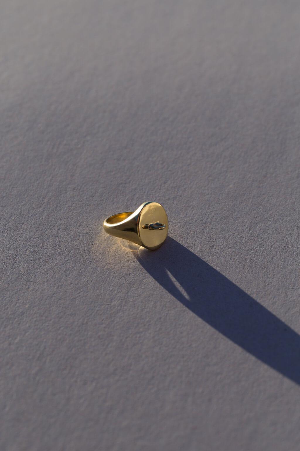 the-link-signet-ring-by-glenda-lopez-alta