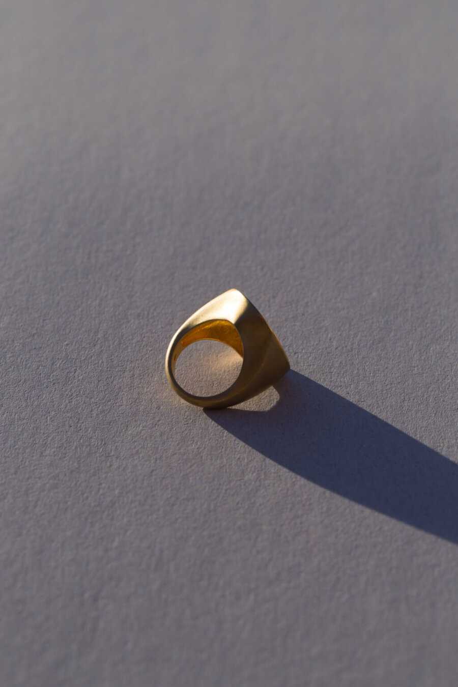 the-maxi-signet-ring-by-glenda-lopez-alta