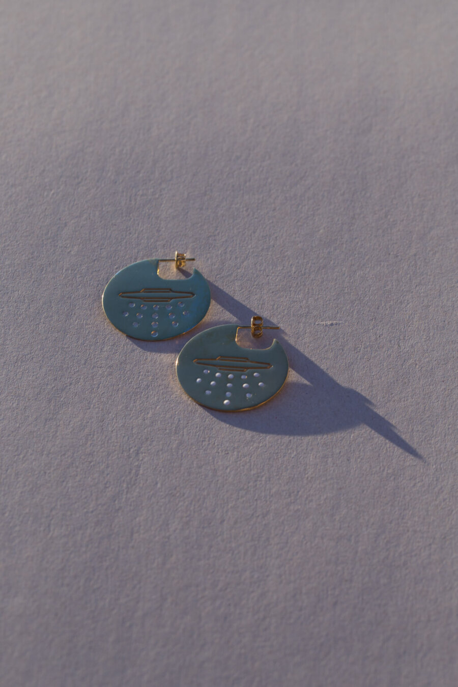 the-ufo-disk-earrings-by-glenda-lopez-alta