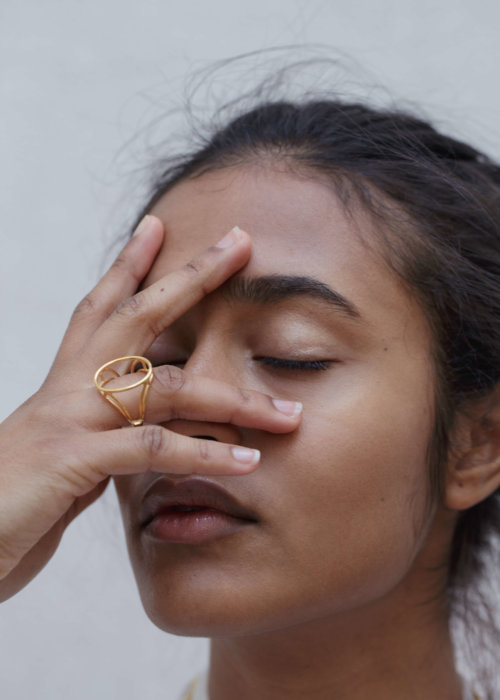 The-empty-signet-ring-by-glenda-lopez-lookbook