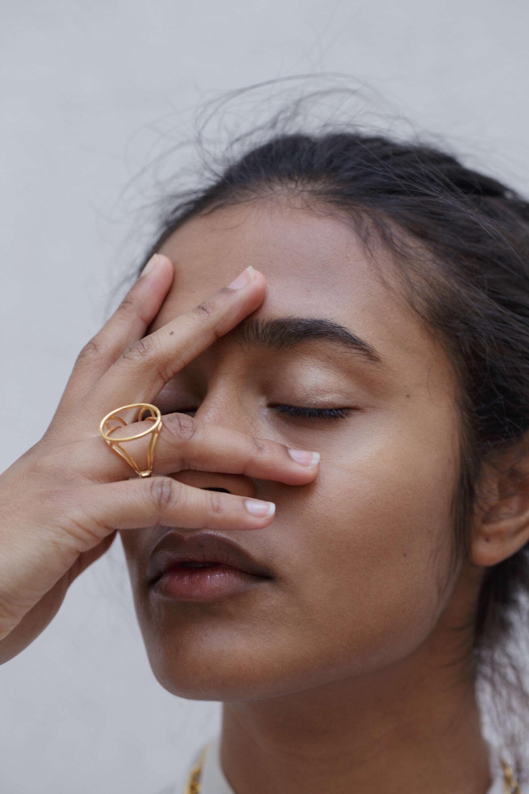 The-empty-signet-ring-by-glenda-lopez-lookbook