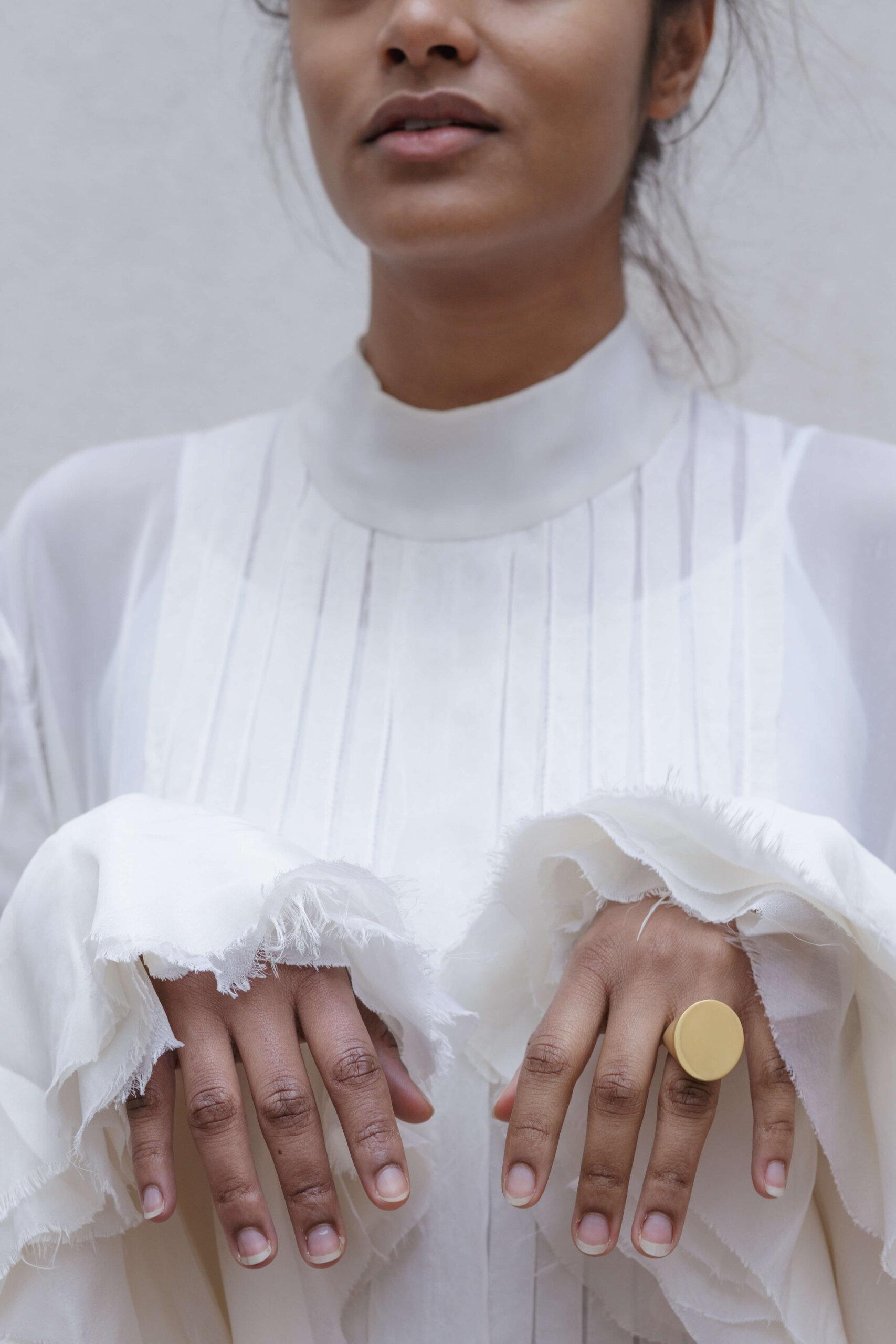 the-maxi-signet-ring-by-glenda-lopez-lookbook