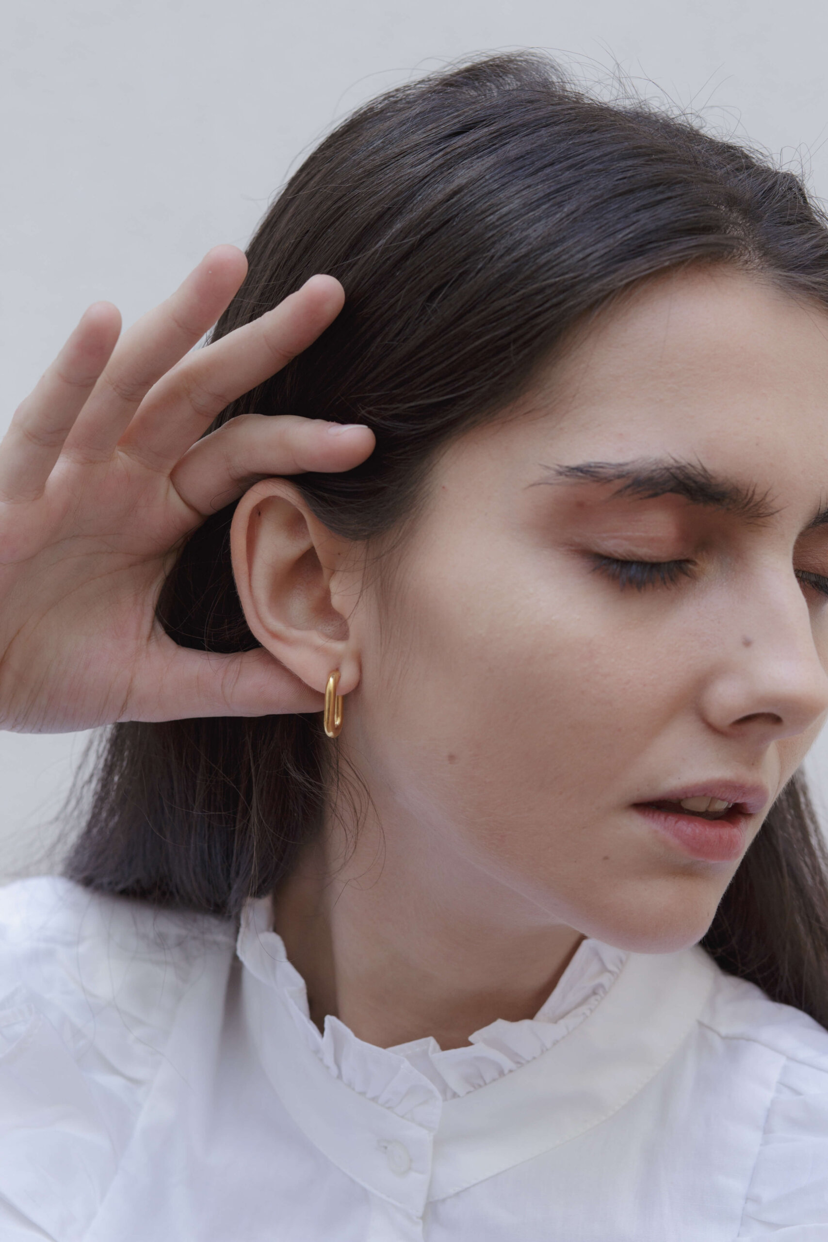 the-small-golden-link-earring-by-glenda-lopez-lookbook