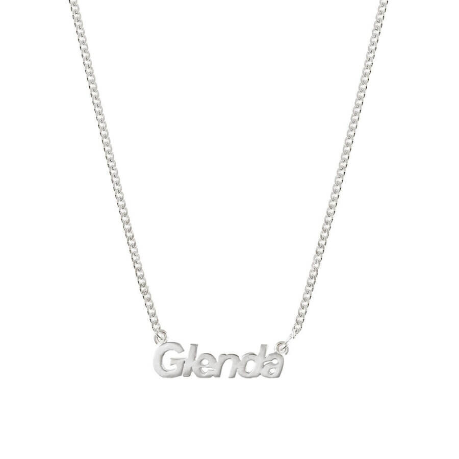 silver-nameplate-necklace